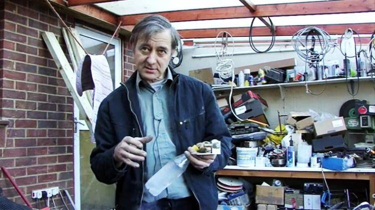 articleLeadwide-inventor-peter-dearman-demonstrating-how-supercool1qlaj
