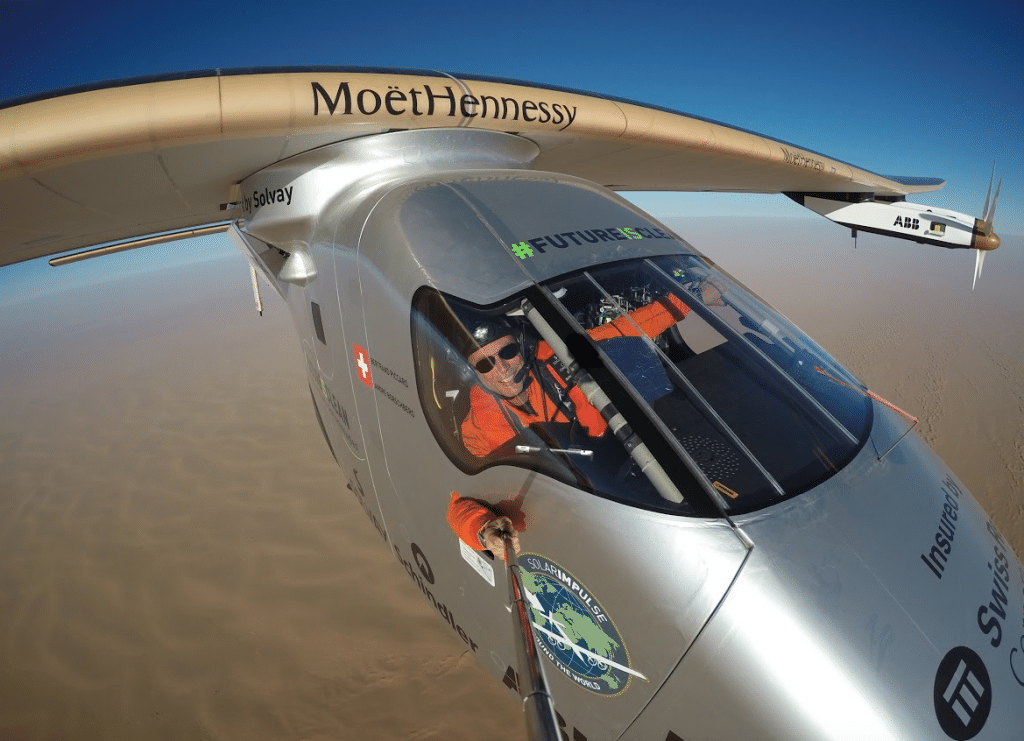 AtlasNews: Solar Impulse material will protect refugees