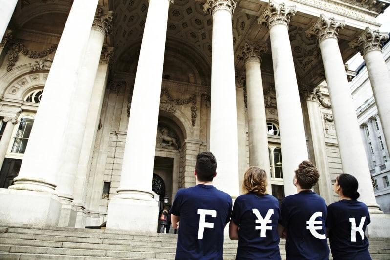 Video ► Bye bye banks! The Robin Hood of currency exchange
