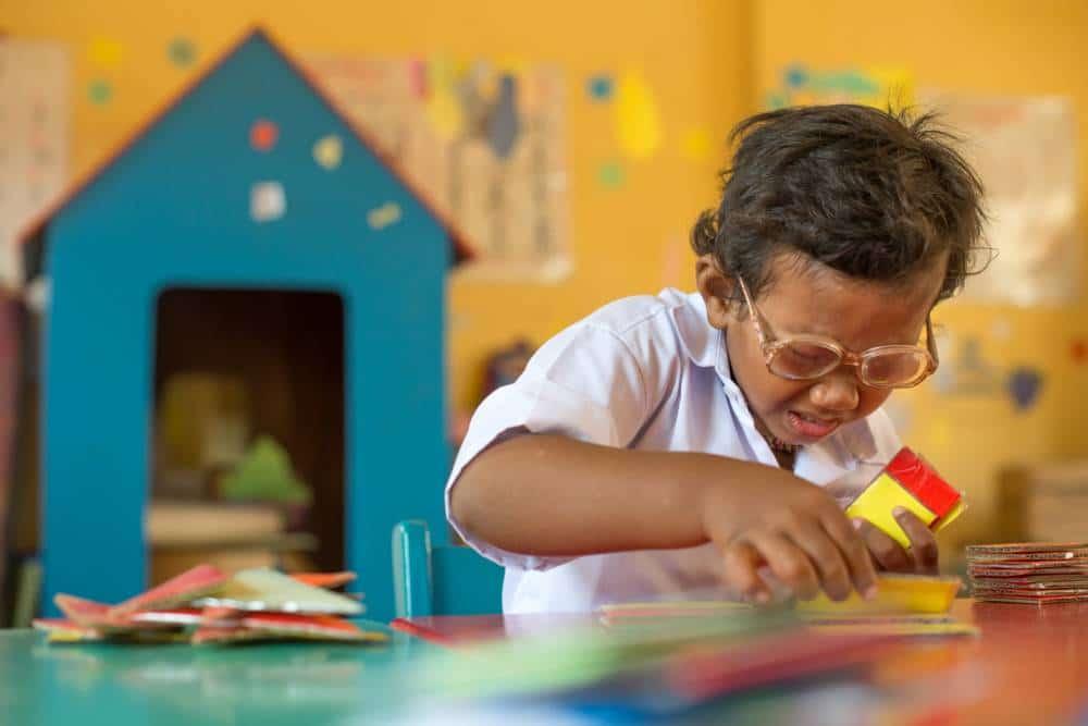 Krousar Thmey.jpg Krousar Thmey caption: A child studies shape and colour in a Krousar Thmey kindergarten class, Phnom Penh, Cambodia. Krousar Thmey photographer credit: Kimlong Meng / Majority World