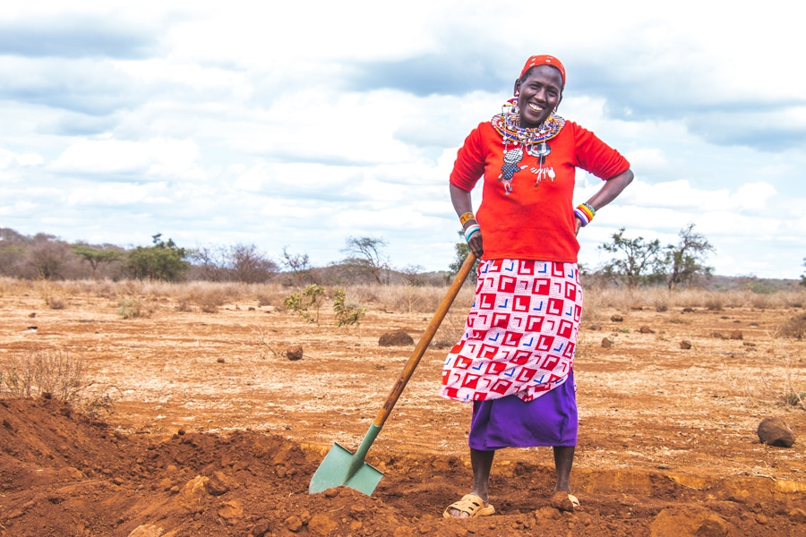 Justdiggit digs bunds (swales) to slow water down and regreen Africa