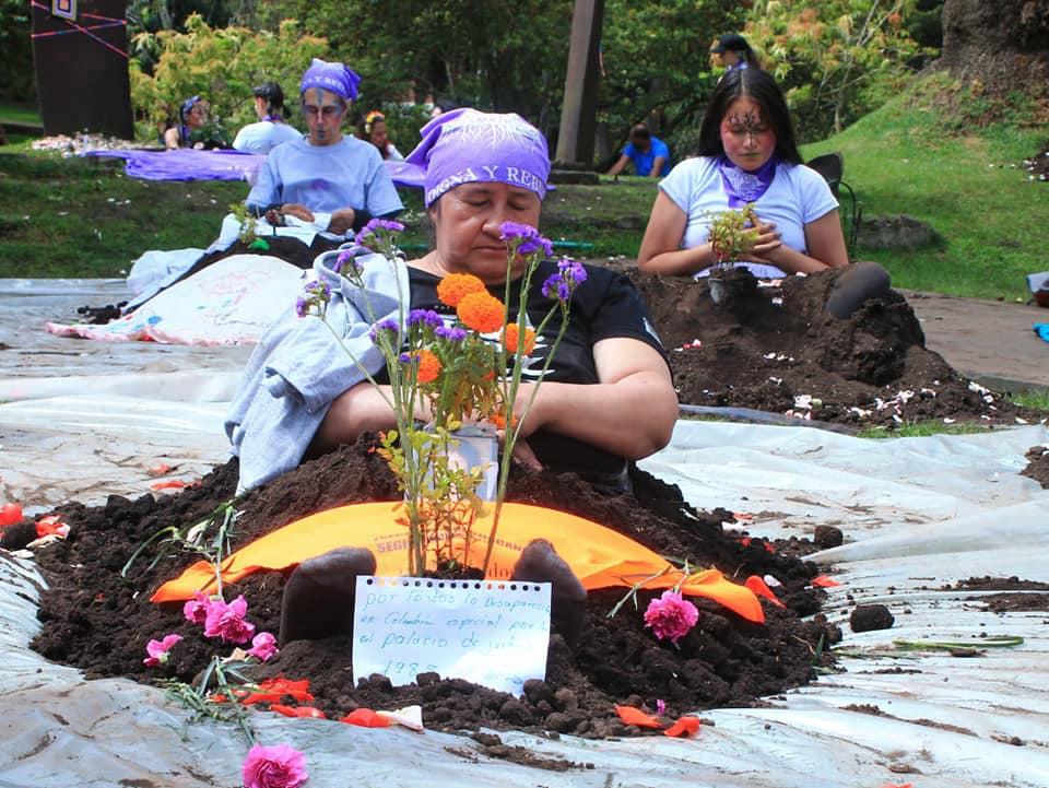 women perform grammatical bodies - Agroarte Colombia