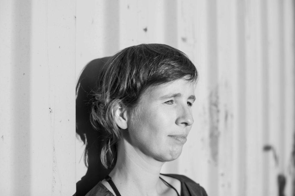 Versos salvajes: el manual poético de Carolijn Terwindt